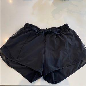 Lululemon shorts size 4 reg